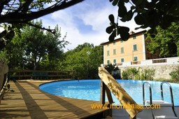 The pool ad 'Villa Monte Nisa'